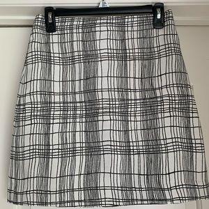 🌺Women's LOFT Black & White Skirt GU SZ 00 🖤🛍